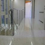 Immagine che ritrae un corridoio con pavimento alla veneziana lucidato a Legnago in provincia di Verona