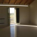 Immagine che ritrae il pavimento in marmo bianco di Thassos realizzato in una casa privata a Legnago in provincia di Verona